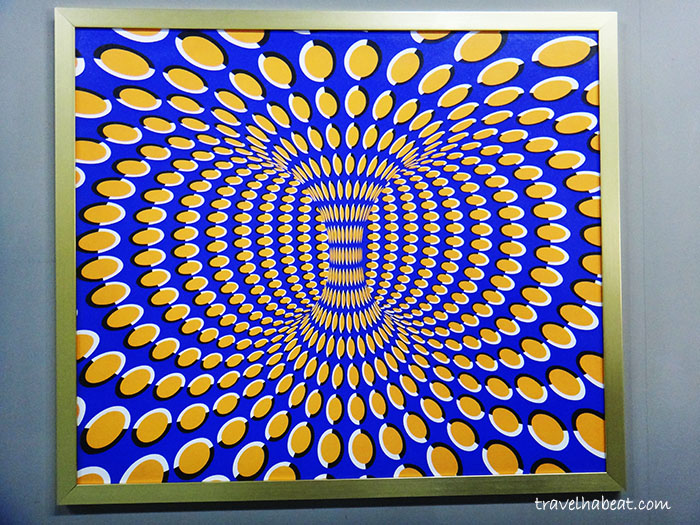 Multi-color and Rotation Optical Illusion Art