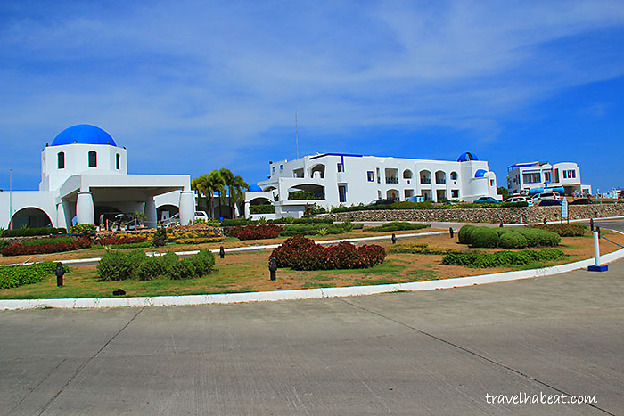 Thunderbird Resort's Facade